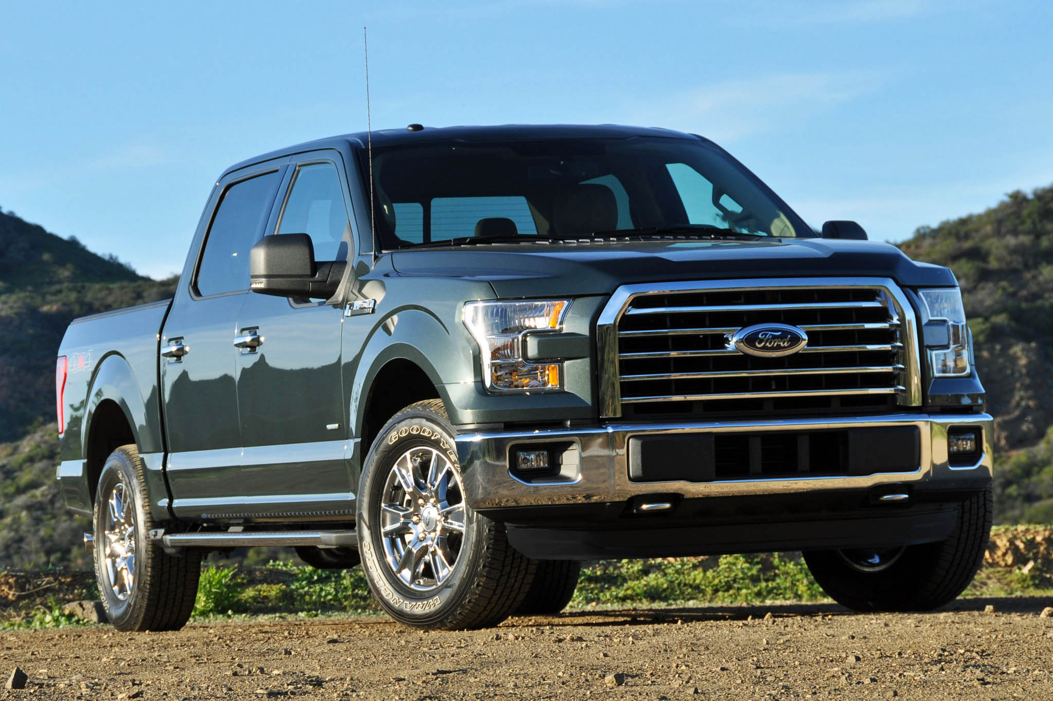 2015 ford f 150 xlt supercrew review autoweb. Black Bedroom Furniture Sets. Home Design Ideas