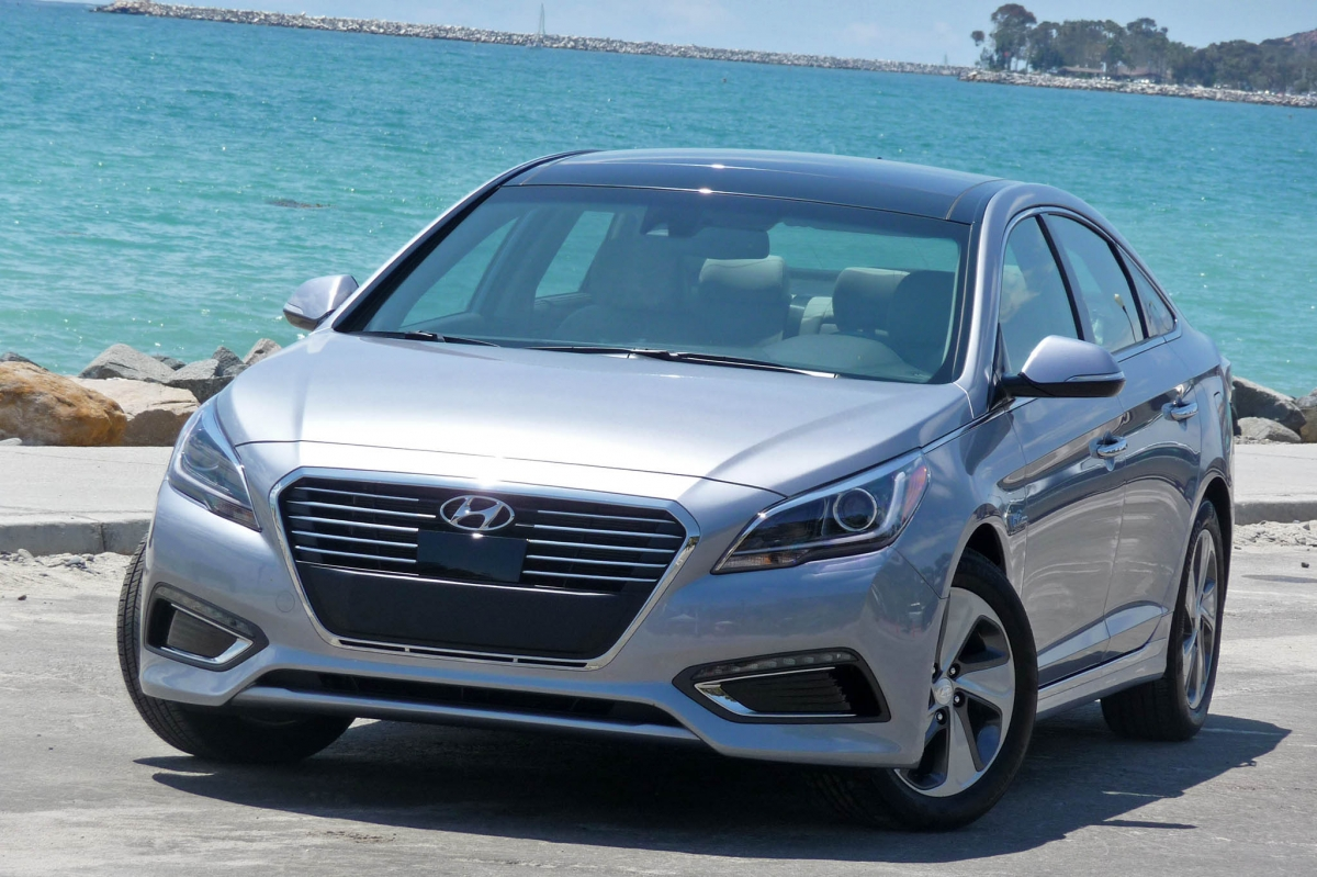 2016 hyundai sonata hybrid review autoweb. Black Bedroom Furniture Sets. Home Design Ideas