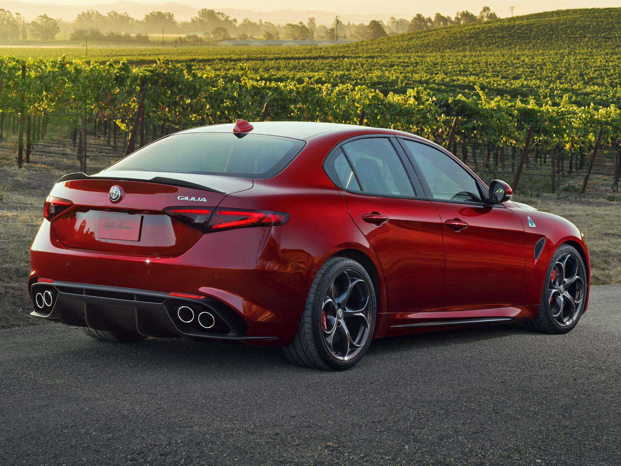 the motoring world alfa romeo to debut the stunning new giulia at the new york international. Black Bedroom Furniture Sets. Home Design Ideas