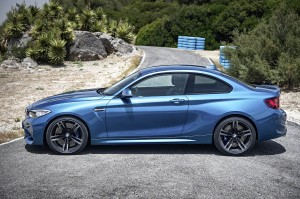 AutoWeb-2015-October-Gallery-2016-BMW-M2-005