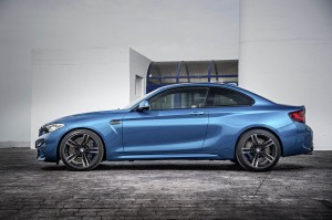 AutoWeb-2015-October-Gallery-2016-BMW-M2-012