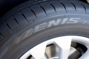 AutoWeb-2016-January-Review-Falken-Azenis-FK453CC-Tires-001