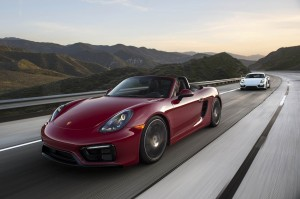 Autoweb-2015-July-Comparison-PDK-vs-Manual-2015-Porsche-Boxster-Cayman-003
