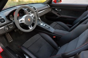 Autoweb-2015-July-Comparison-PDK-vs-Manual-2015-Porsche-Boxster-Cayman-022