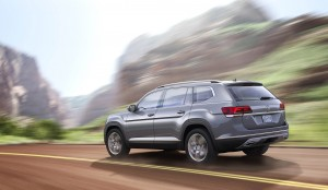 Autoweb-2016-December-Exclusive-2018-Volkswagen-Atlas-006