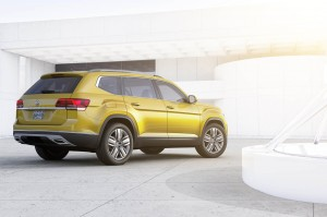 Autoweb-2016-December-Exclusive-2018-Volkswagen-Atlas-013