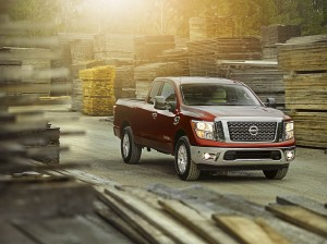 Autoweb-2017-February-What-Mattered-Nissan-TITAN-King-Cab-001