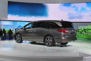 Autoweb-2017-January-NAIAS-What-Mattered-2018-Honda-Odyssey-002