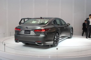 Autoweb-2017-January-NAIAS-What-Mattered-2018-Lexus-LS-002