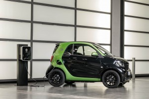 Autoweb-2017-January-Review-2017-Smart-ForTwo-ED-008