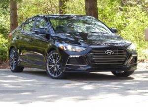 Autoweb-2017-May-Review-2017-Hyundai-Elantra-Sport-004