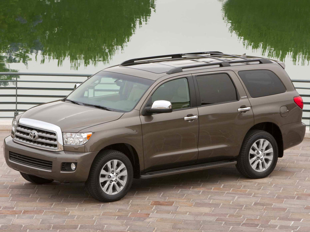 AutoWeb-2015-feature-fullsize-suv-Toyota-Sequoia-Limited-002