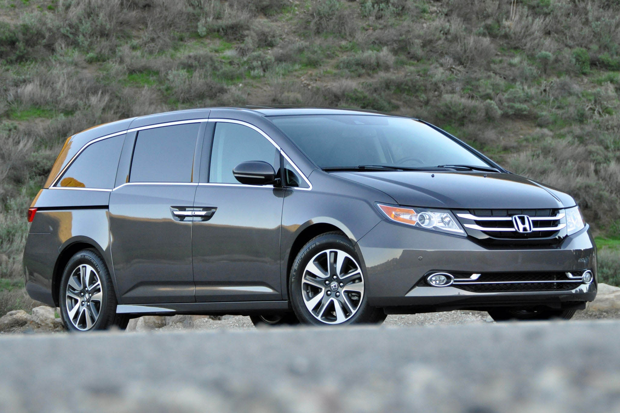 2015 honda odyssey review autoweb. Black Bedroom Furniture Sets. Home Design Ideas