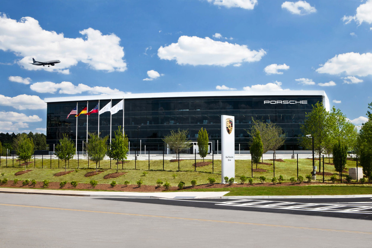 autoweb-2015-may-feature-pec-atlanta-grand-opening-0004
