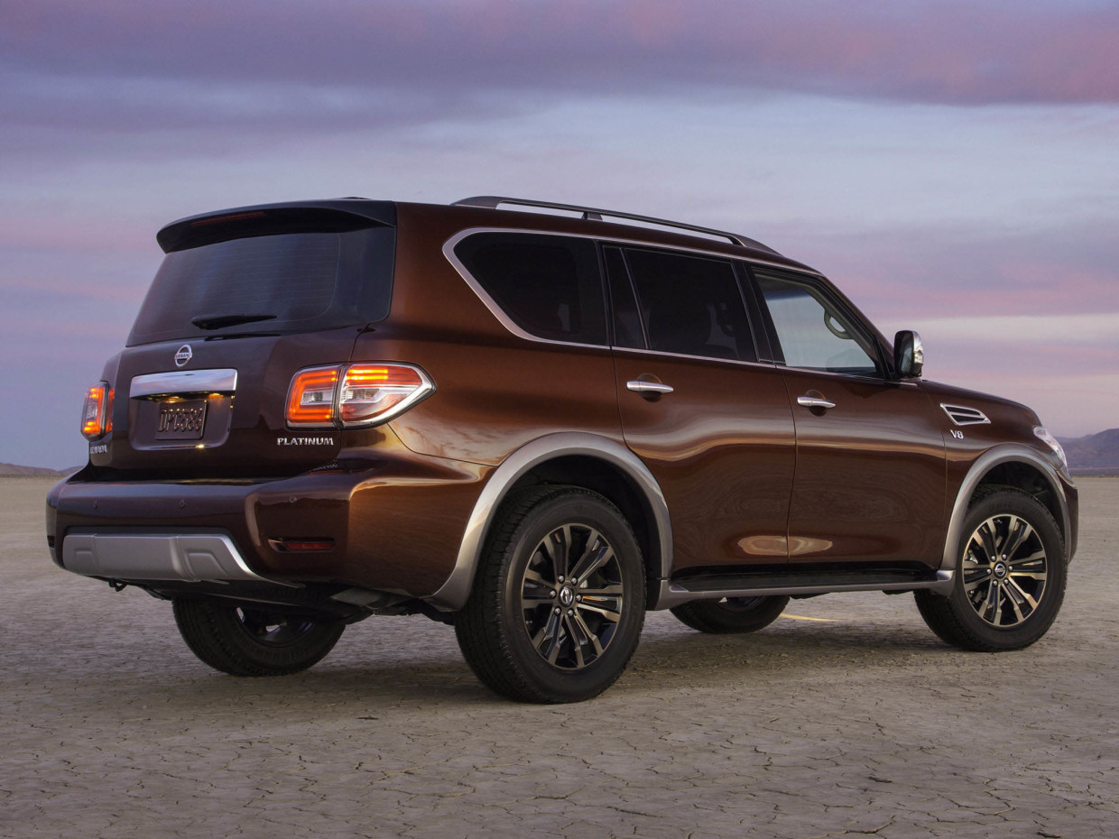 Autoweb-2016-February-Preview-2017-Nissan-Armada-002