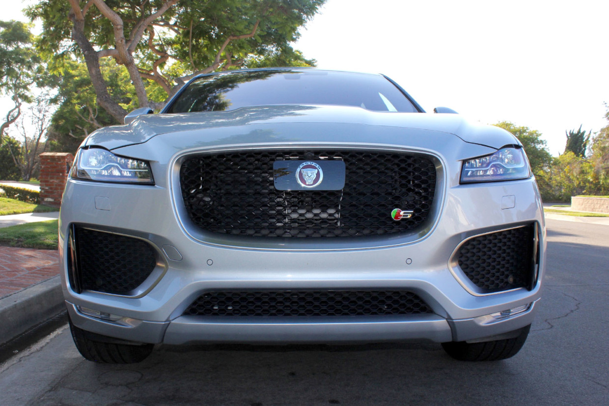 Autoweb-2016-September-Review-2017-Jaguar-F-Pace-001