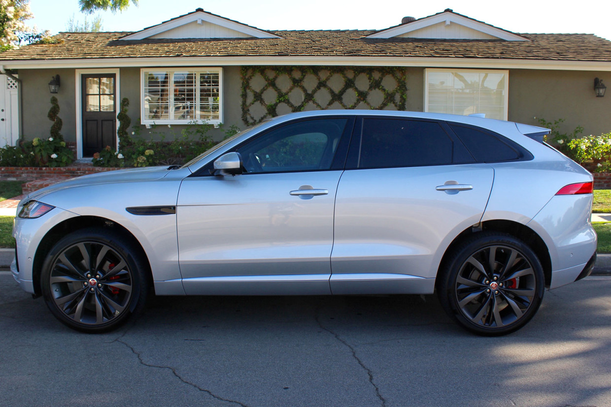 Autoweb-2016-September-Review-2017-Jaguar-F-Pace-