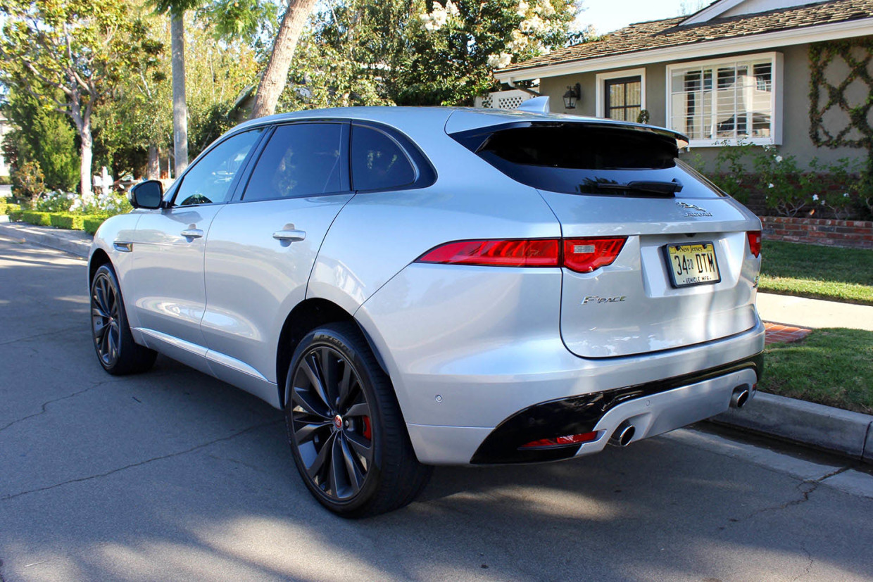 Autoweb-2016-September-Review-2017-Jaguar-F-Pace-004