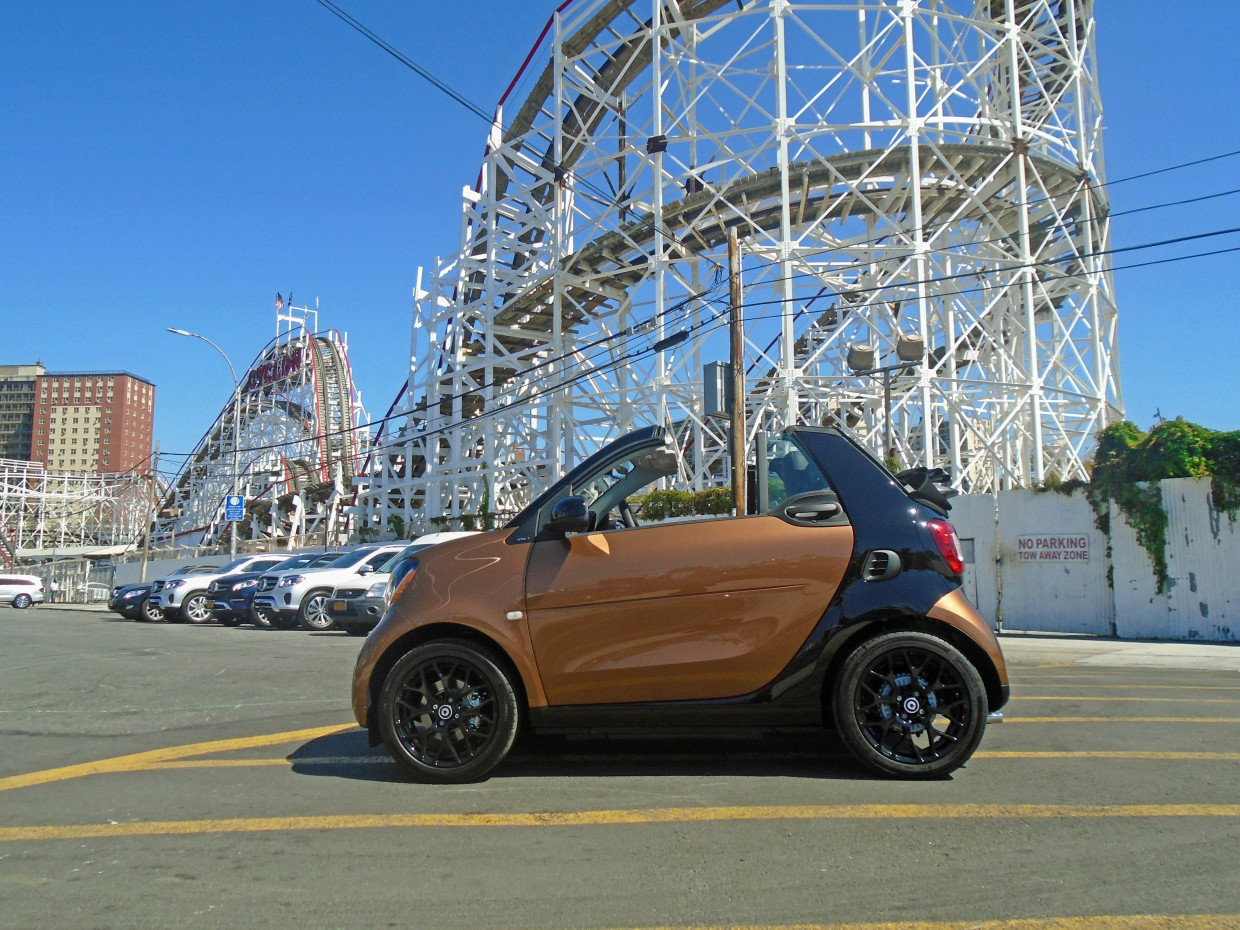 Autoweb-2016-October-First-Drive-2017-smart-fortwo-cabriolet-003