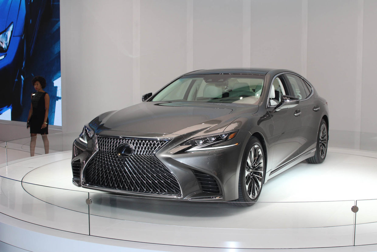 autoweb-2017-january-naias-what-mattered-2018-lexus-ls-001