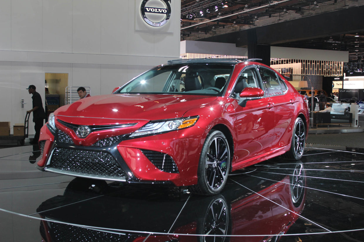 autoweb-2017-january-naias-what-mattered-2018-toyota-camry-001