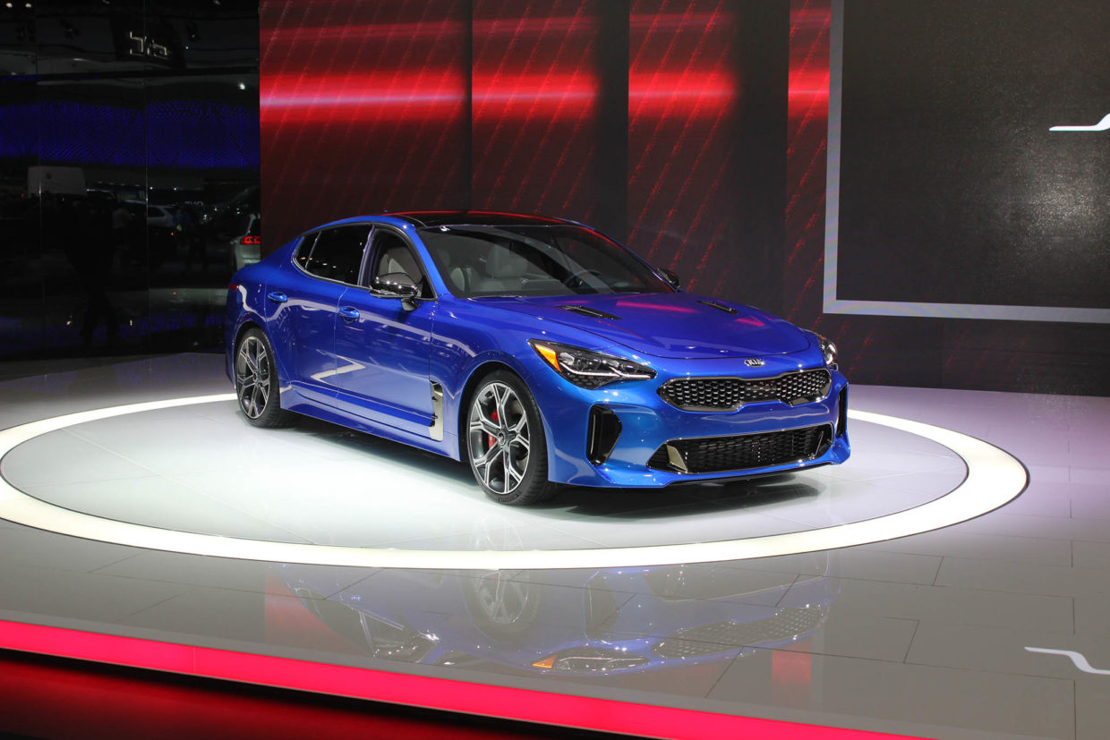 autoweb-2017-january-naias-what-mattered-kia-stinger-001